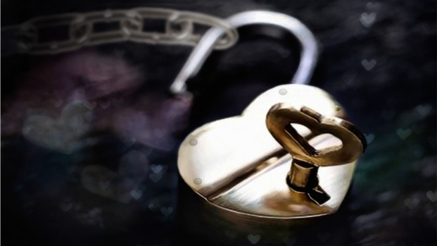 heart-lock-key-1366x768